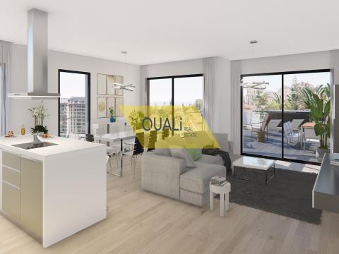 4 bedroom apartment for sale in São João, Funchal - Madeira Island - €750,000.00