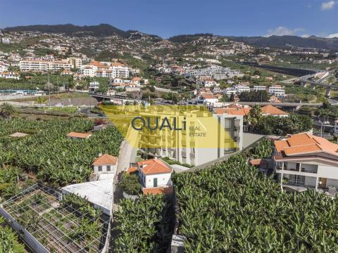 Apartamento de 2 habitaciones en Câmara de Lobos - Madeira - € 245.000,00