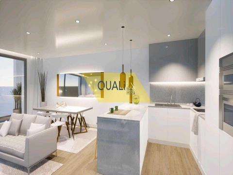 Apartamento de 2 habitaciones en Câmara de Lobos - Madeira - € 260.000,00