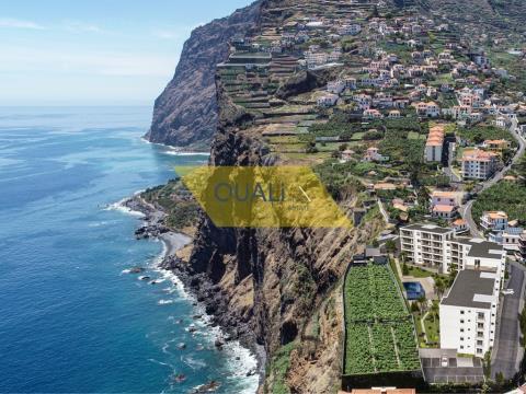 Apartamento T1 em Câmara de Lobos - Madeira - € 125.000,00