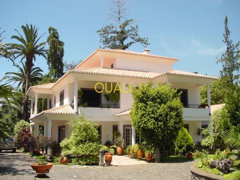 Quinta De Luxo Com Vista Mar e Montanha na Ilha Da Madeira. €3.500.000,00