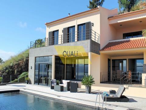 Villa con 4 camere da letto a Funchal - Isola di Madeira - € 1.550.000,00