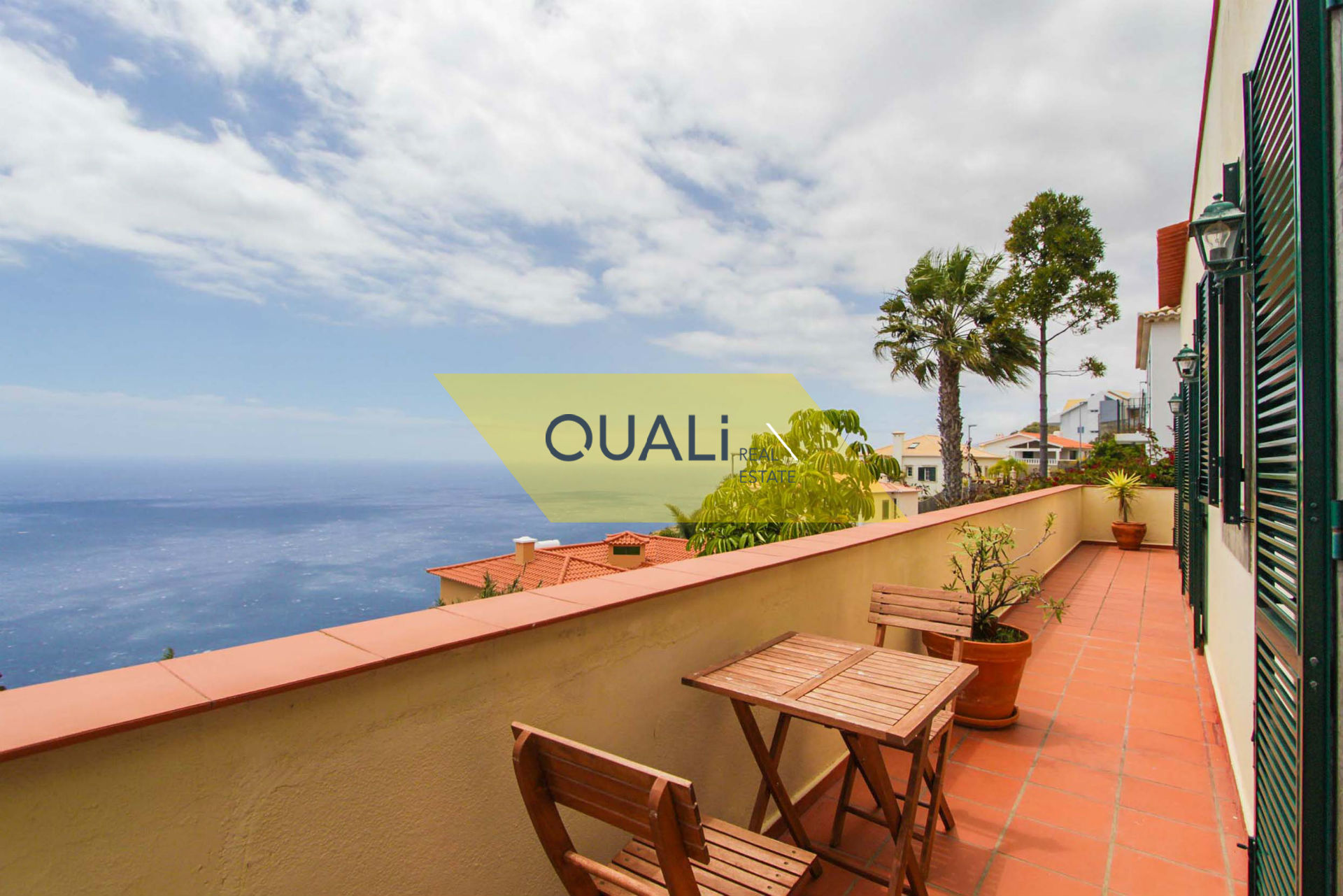 Moradia com 3 Quartos e 2 apartamentos T0 à venda - Ilha da Madeira. €599.000,00