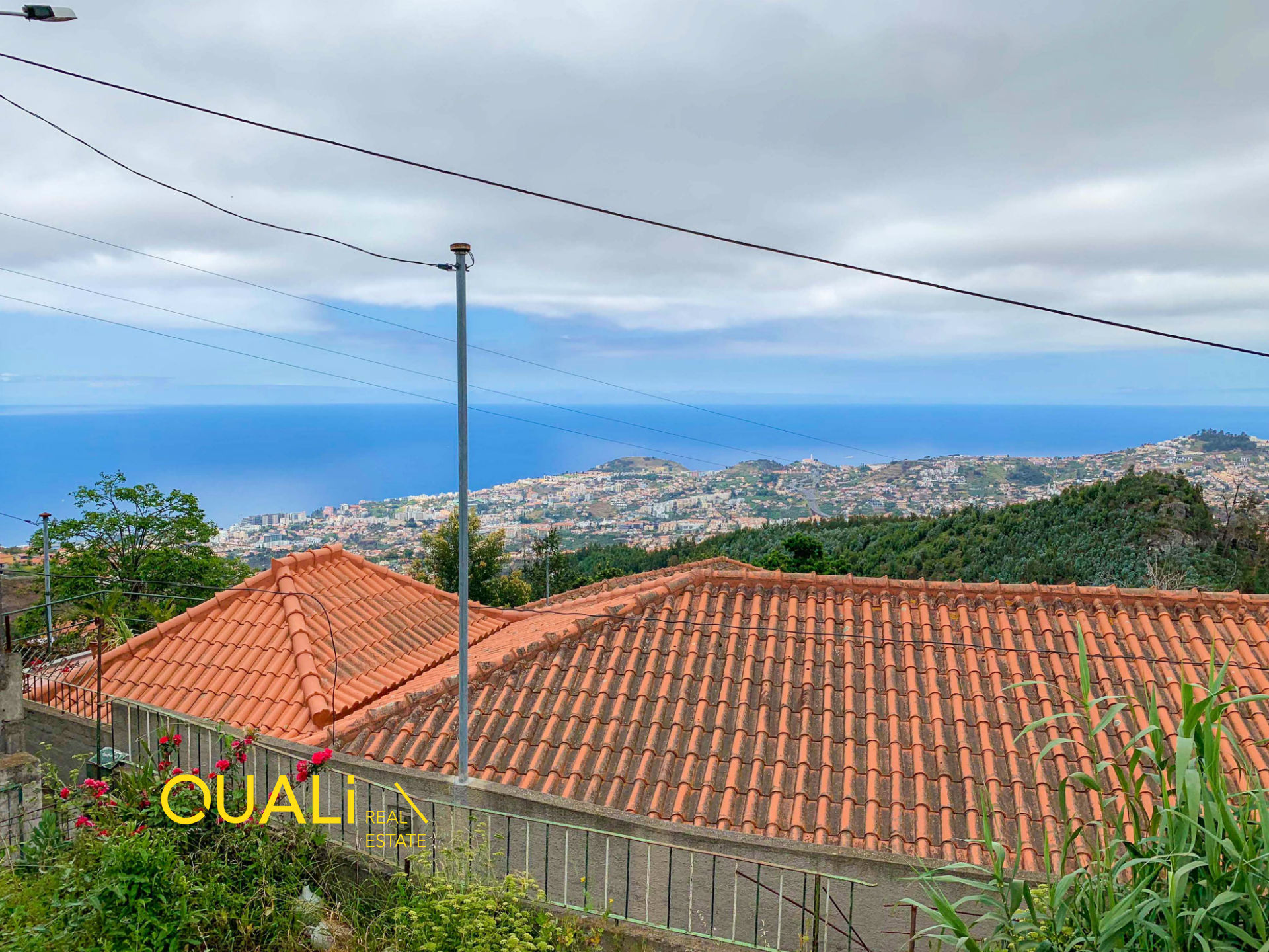 House 2 Bedrooms to rebuild in Monte - Madeira Island