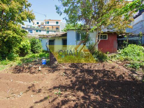 Villa mit 2 Schlafzimmern zum Umbau in Livramento, Monte - Madeira Island - € 160.000,00