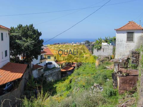 Villa mit 2 Schlafzimmern zum Umbau in Funchal - Madeira Insel - € 200.000,00