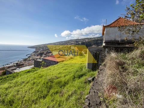 1910m2 land with a house in Santa Cruz - Madeira Island - € 150.000,00