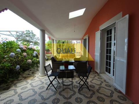Villa de 3 chambres à Ponta do Sol - Madère. €299 000,00