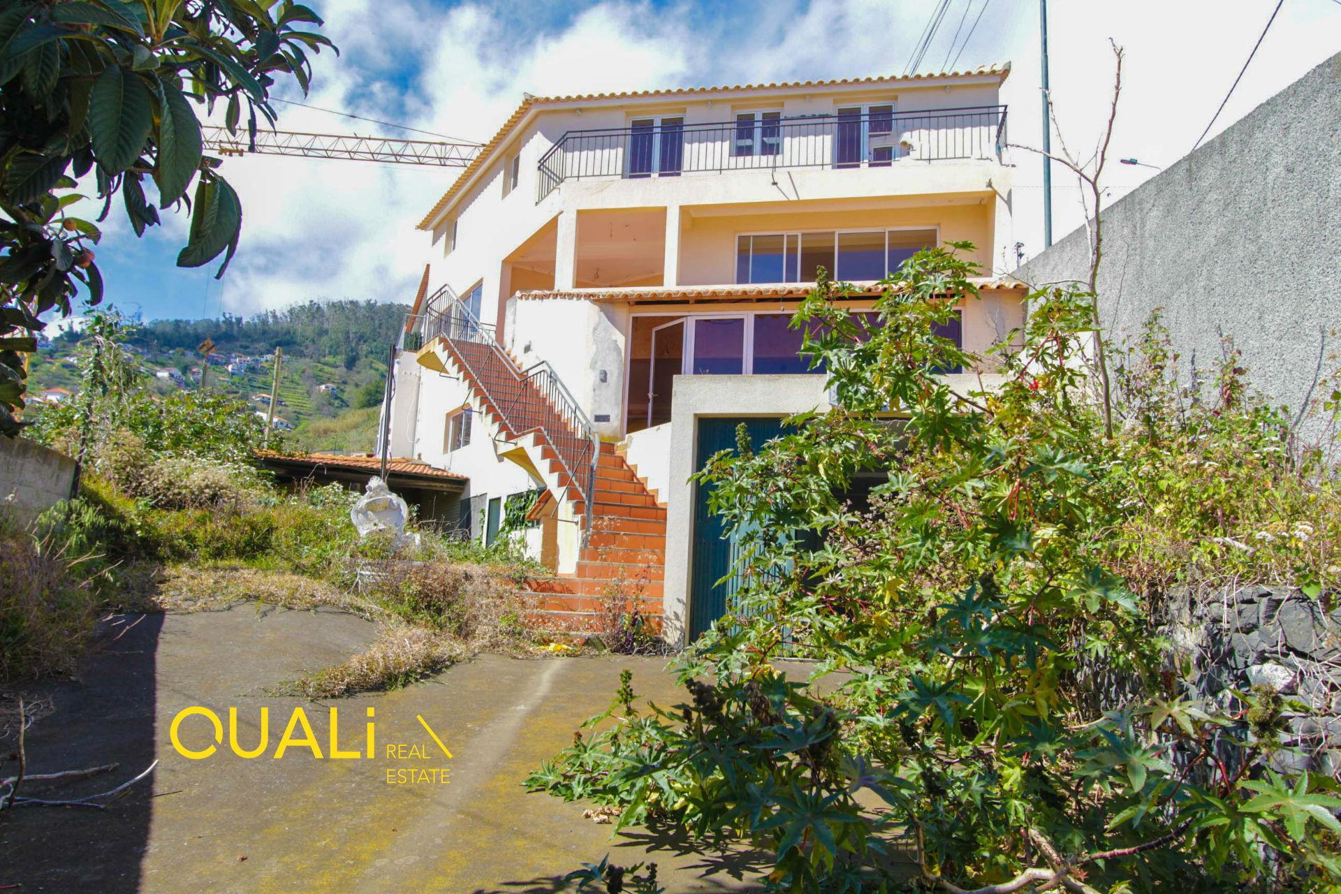 Moradia T3 à Venda em Santo António - Funchal - Ilha da Madeira. €217.000,00€