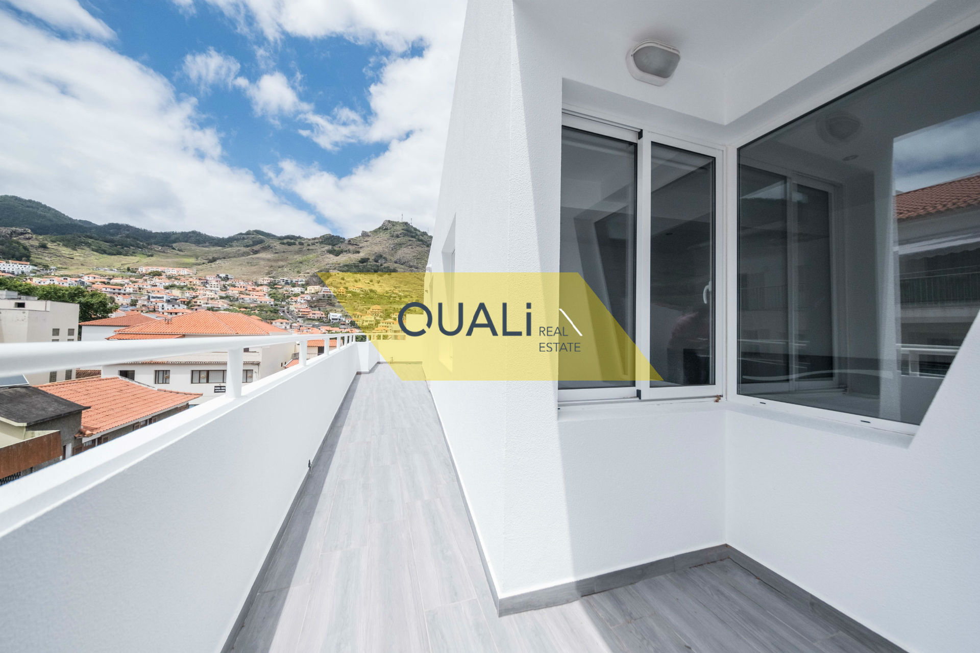 -Apartment T1 in the center of Machico two minutes from the beach area. € 145.000