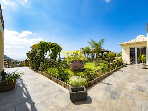 Detached house in Ponta do Sol, Madeira Island - € 795.000,00