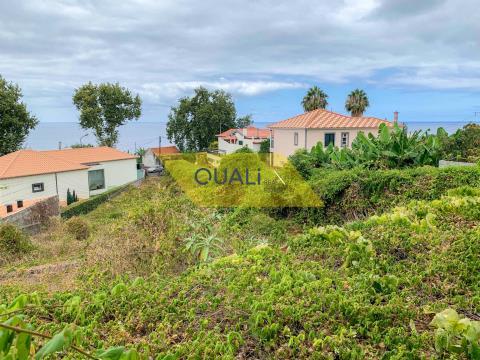 Land 1810 m2, mit Zugang zu zwei Fronten, Estrada Monumental 350.000 €