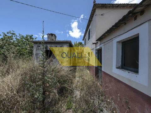 Villa de 3 chambres à remodeler - Calheta, Madère - 145 000,00 €