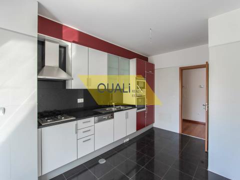 Apartamento T3 São Martinho € 450.000,00