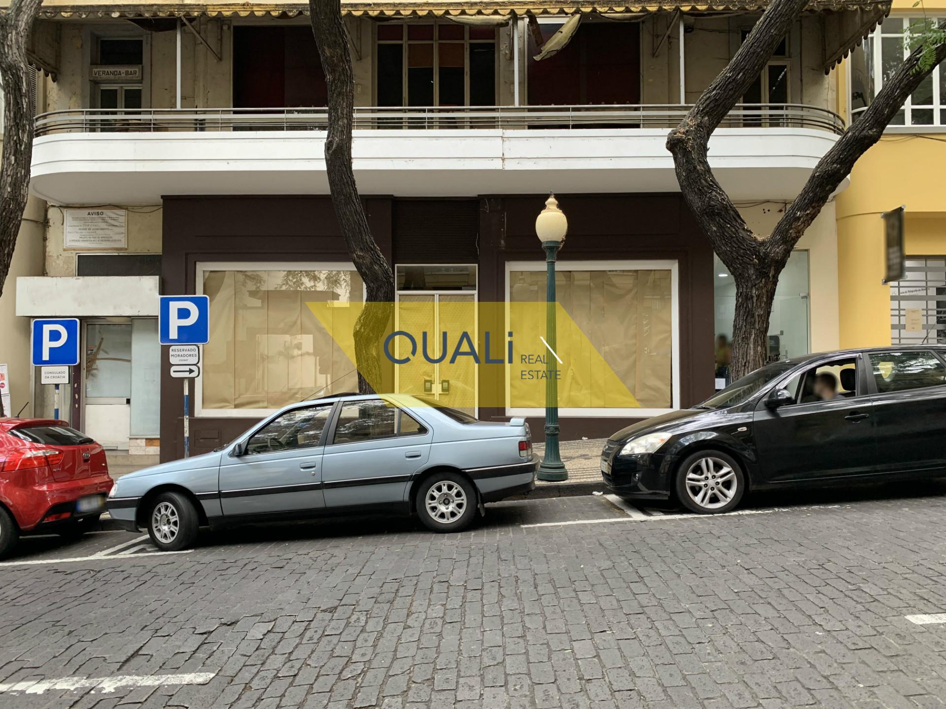 Loja para Arrendar no Centro de Funchal - Ilha da Madeira - €2.500,00