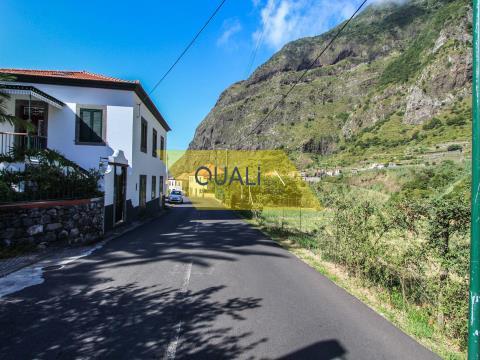 Flaches Grundstück mit 1560m2 - São Vicente - € 150.000,00