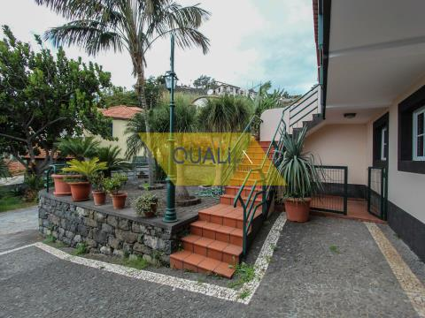 Maison mitoyenne V3 Livramento, Funchal € 285.000,00