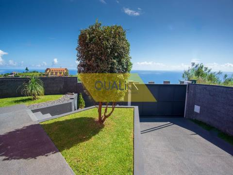 2 bedroom villa with sea view in Santana - Madeira Island - €225.000,00