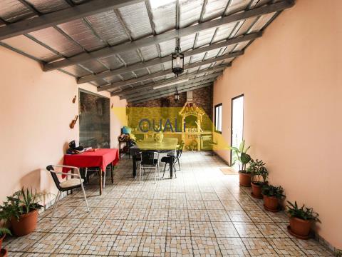 Moradia T2, Isolada e Térrea no Garajau - Caniço -  Ilha da Madeira. €240.000,00