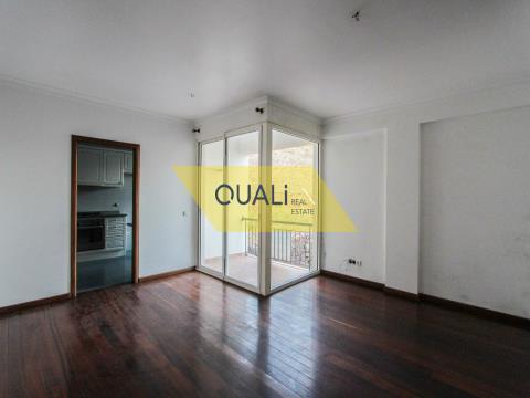 Apartamento T1 à venda no Caniço de Baixo - Ilha da Madeira - € 75.000,00