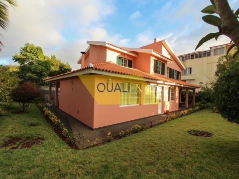4 Bedroom Detached House for rent in Ponta do Sol - Madeira Island. €1.200,00