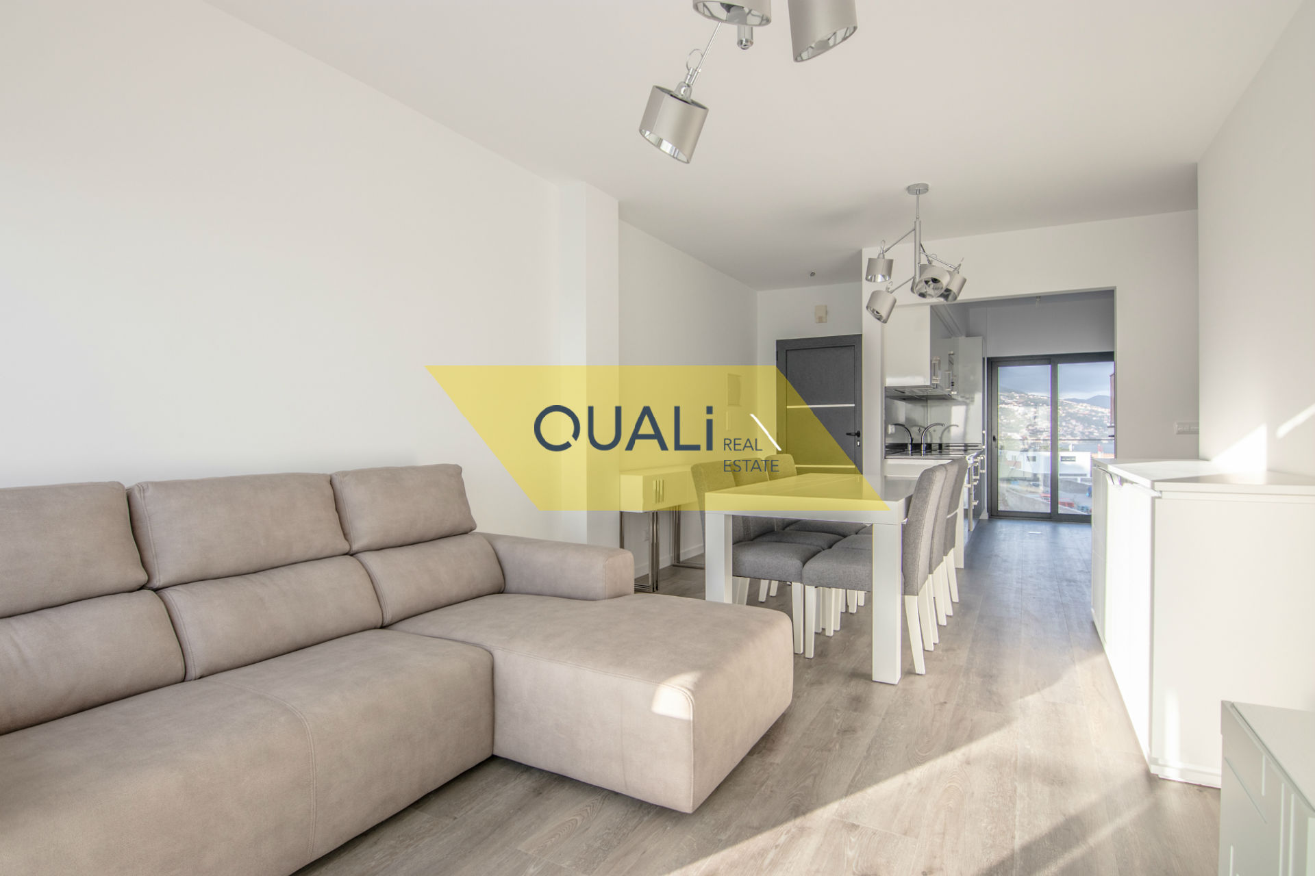 Apartamento com 3 quartos e vista Mar €275.000,00 Porto Novo, Ilha da Madeira.