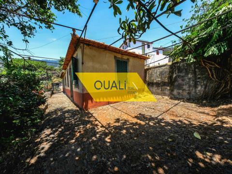 Prédio Misto com 1570m2 - S.Roque Funchal - €185.000,00