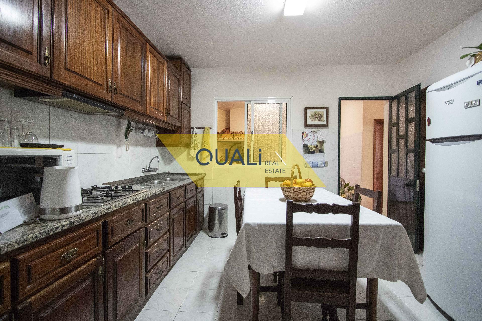 Moradia V3 Térrea, localizada em Câmara de Lobos - €250.000,00