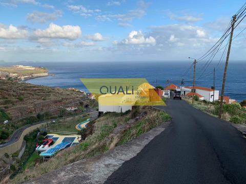 Terreno Misto 920 m2 com projecto aprovado para duas Moradias T3 - Ilha da Madeira €100.000,00