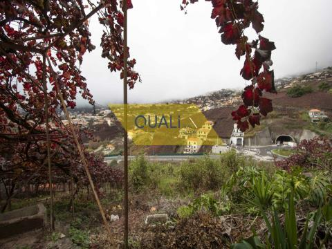 Terreno Rústico com 1798m2,localizado no Estreito Camara de Lobos, €159.500,00