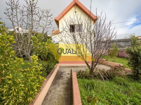 Casa con 1 habitación, en Calheta - € 110,000.00