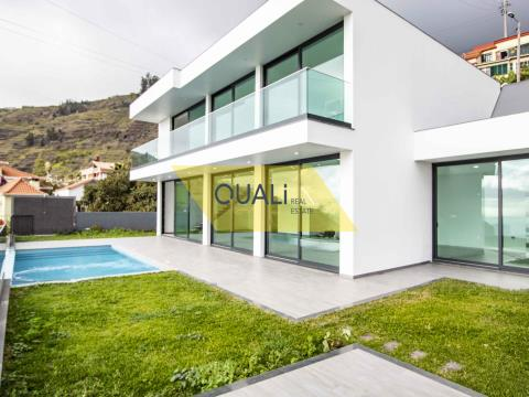 Fantastic Villa with 3 bedrooms, Arco da Calheta, € 480.000,00