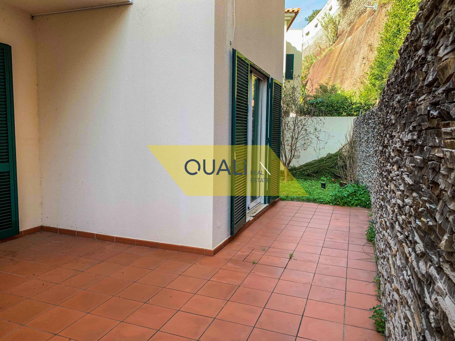Moradia Geminada T3 em São Martinho - Ilha da Madeira €300.000,00