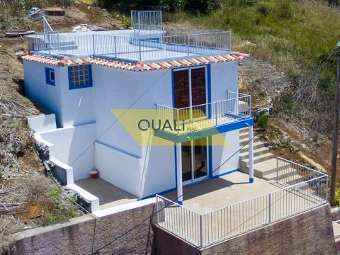 House with 2 bedroom, Arco da Calheta - € 100,000