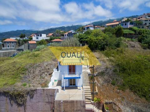 Moradia com 2 Quartos, Arco da Calheta - €100.000,00