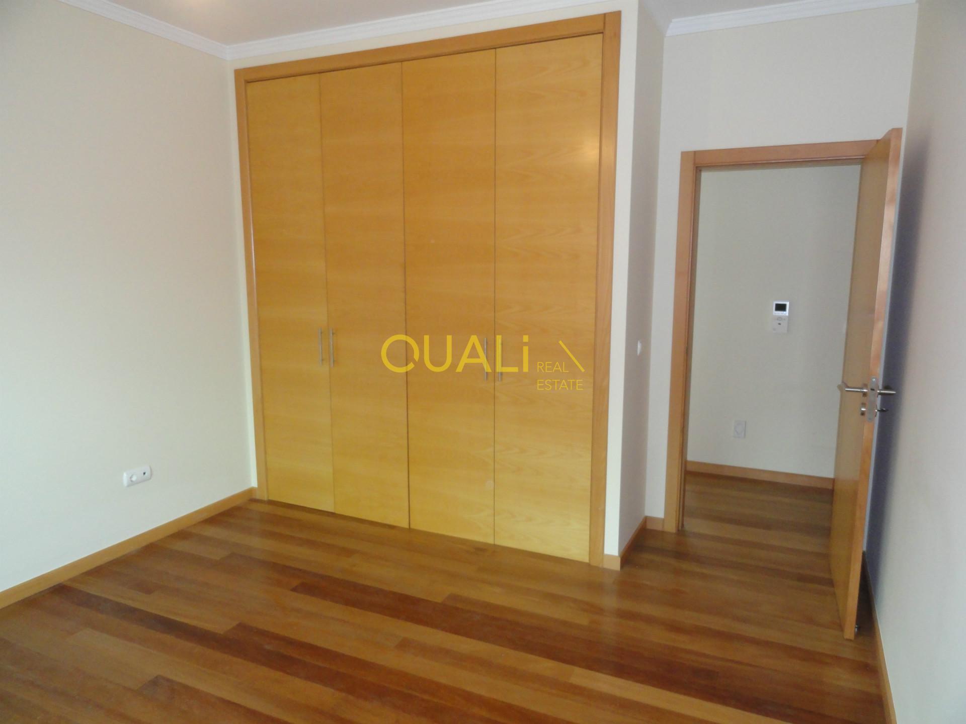 Villa con 4 camere da letto a Santo António - Isola di Madeira - € 490.000,00