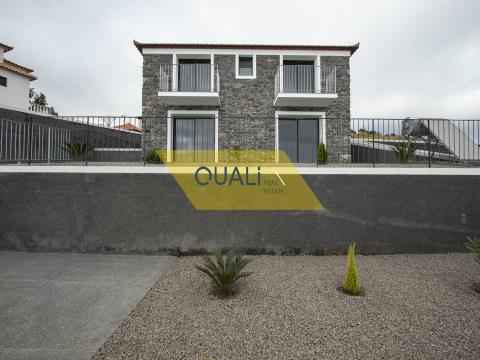 2 bedroom villa under construction in Prazeres - Calheta - Madeira Island. €195.000,00