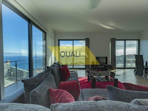 Moradia V3 com excelente vista sobre o Oceano Atlântico na ilha da Madeira - €325.000,00