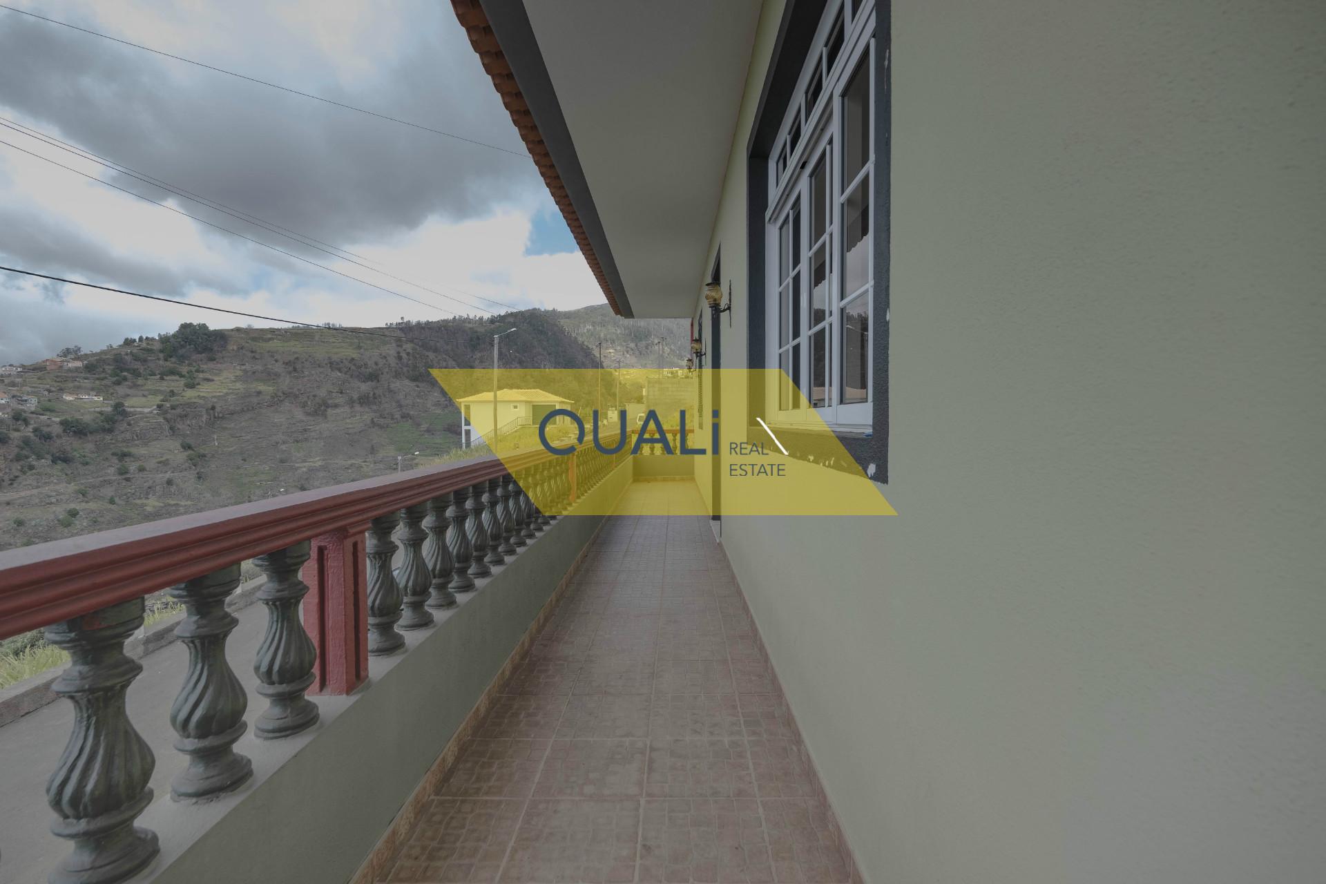 Moradia V3, isolada, Ponta do Sol - Ilha da Madeira - € 240.000,00