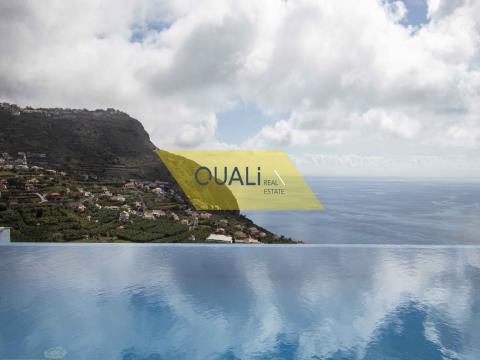 3 Bed Villa in Calheta - €750.000,00