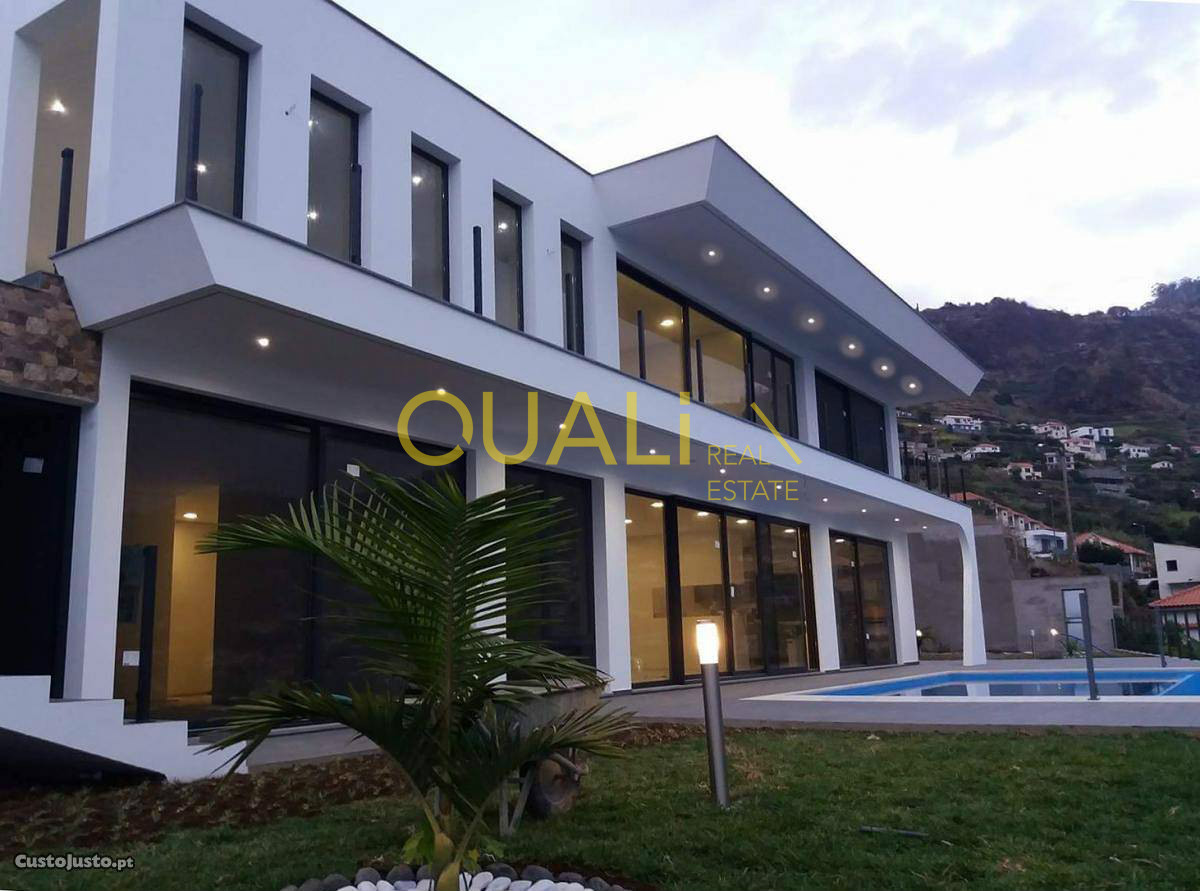 Villa de 3 chambres à Calheta - €750.000,00