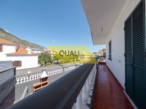 Magnífica villa de 350m2 en Machico - Isla de Madeira - € 385.000,00