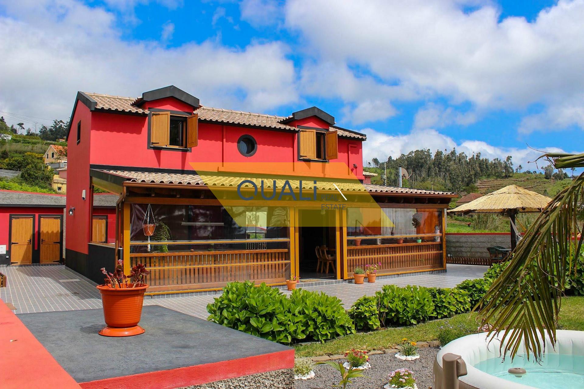 Excelentes moradias - Ponta do Pargo - Ilha da Madeira - €335.000,00