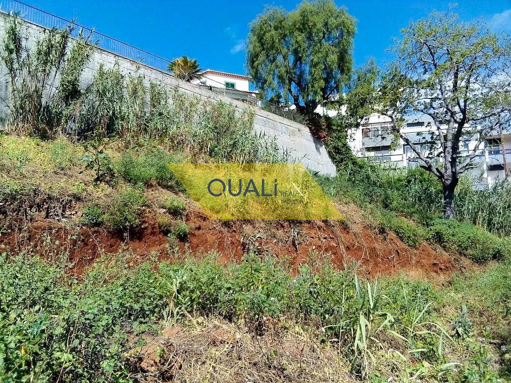 Terreno Urbano com 1250m2 -Funchal-Ilha da Madeira - € 98.000,00