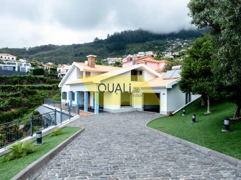 Moradia T3 Arco da Calheta - 1400m2 - Ilha da Madeira - € 670.000,00