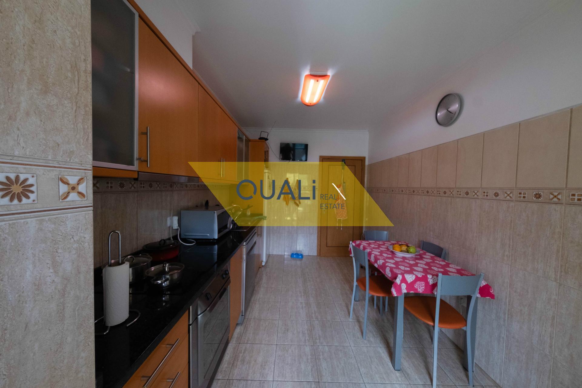Excelente Apartamento T3 nos Barreiros - Funchal - € 257.000,00