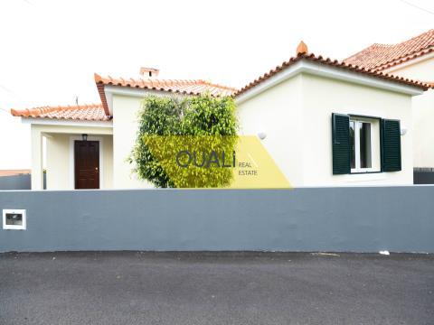 Moradia Térrea T3 à venda em Santana na Ilha da Madeira. €200.000,00