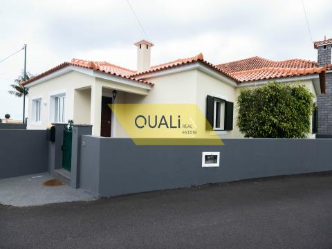 Single storey 3 bedroom house for sale in Santana on Madeira Island. €200.000,00