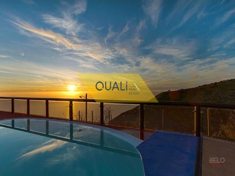 Fabuloso imóvel na Fajã da Ovelha - Ilha da Madeira - € 750.000,00