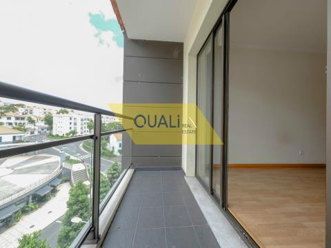 T3 Wohnung zum Verkauf in São Martinho - Madeira Island. € 137.500,00